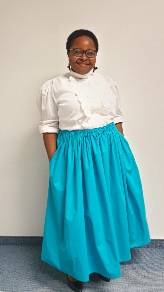 Final picture of me wearing the finished gathered skirt.
